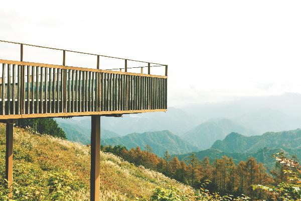 上野村の絶景スポット、御荷鉾スーパー林道展望台